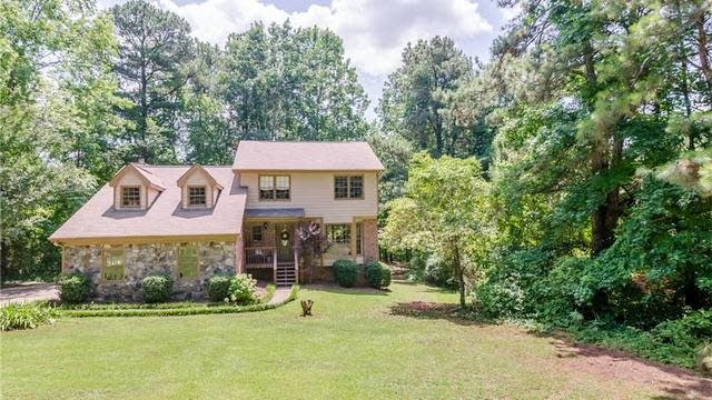 Photo 1 of 25 - 1741 Plunketts Rd, Buford, GA 30519