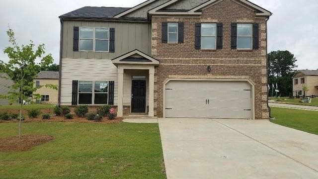 Photo 1 of 34 - 9801 Carrick Dr Unit 0, Jonesboro, GA 30236