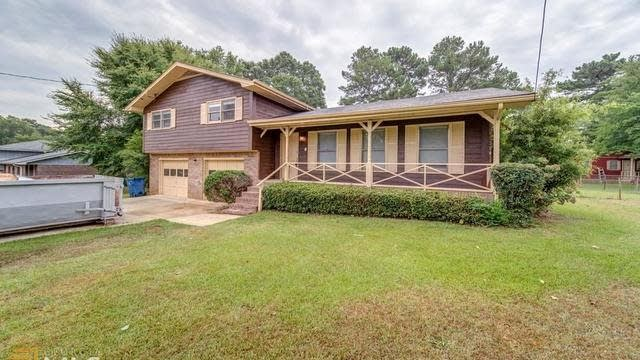 Photo 1 of 35 - 1809 Lake Jodeco Rd, Jonesboro, GA 30236