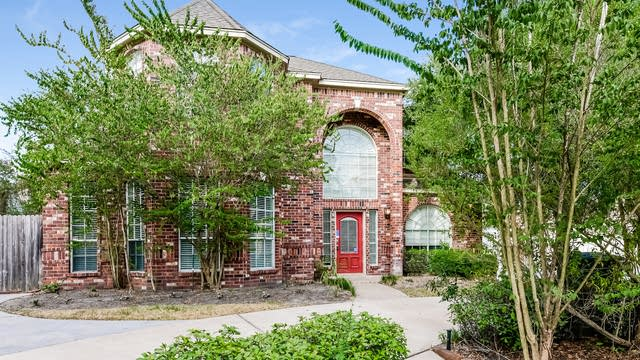 Photo 1 of 25 - 17406 Borough Ln, Spring, TX 77379