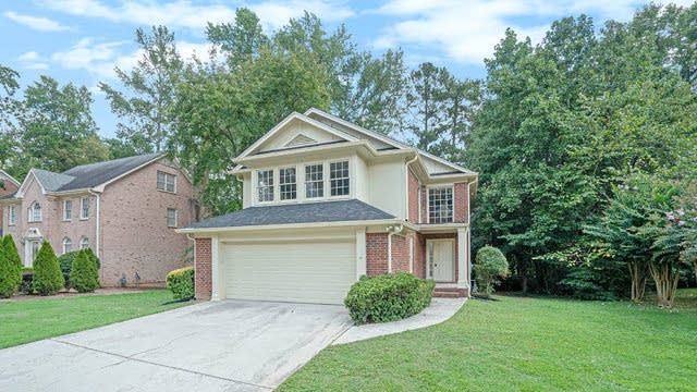 Photo 1 of 17 - 6311 Southland Forest Dr, Stone Mountain, GA 30087