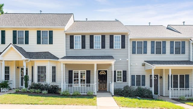 Photo 1 of 17 - 831 S White St, Wake Forest, NC 27587