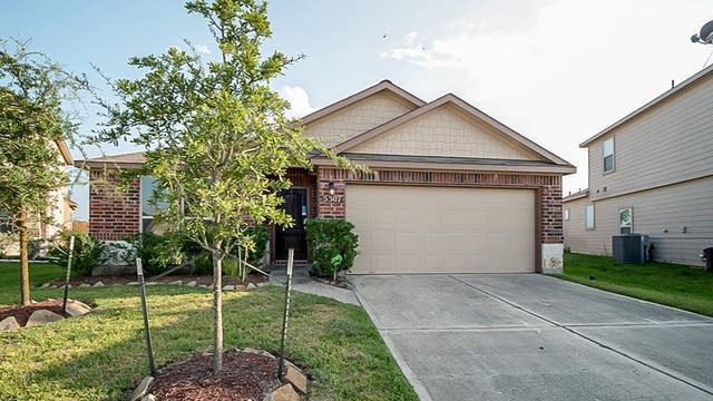 Photo 1 of 38 - 5307 Rocky Coral Dr, Katy, TX 77449