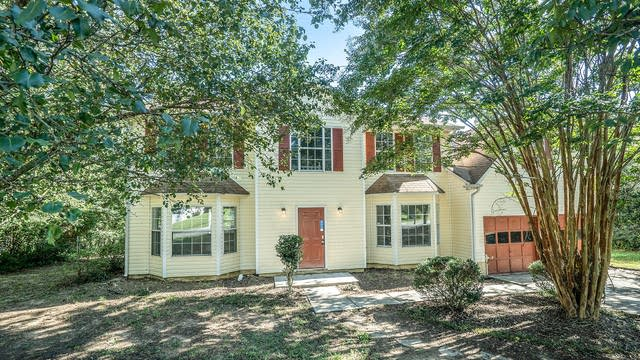 Photo 1 of 17 - 2200 Rosewood Mill Ct, Loganville, GA 30052