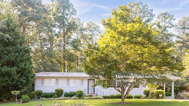 Photo 1 of 25 - 5601 Deblyn Ave, Raleigh, NC 27612