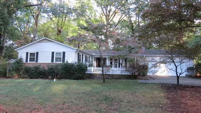 Photo 1 of 17 - 8404 Camellia Dr, Raleigh, NC 27613