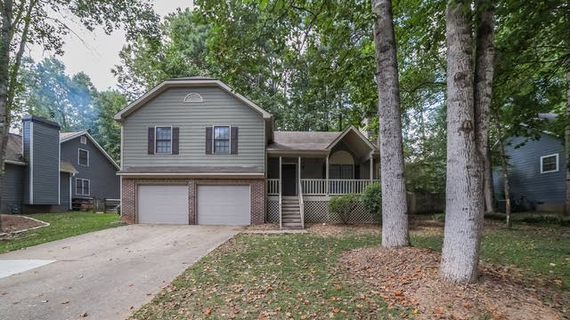 Photo 1 of 30 - 4732 Bradford Ln, Powder Springs, GA 30127