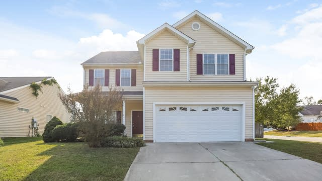 Photo 1 of 25 - 8621 Neuse Hunter Dr, Raleigh, NC 27616