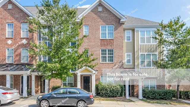 Photo 1 of 25 - 144 Dove Cottage Ln, Cary, NC 27519