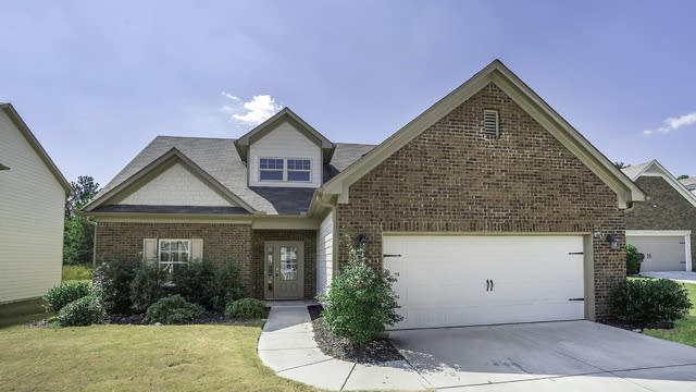 Photo 1 of 17 - 3361 Grundy Ives Dr, Snellville, GA 30039