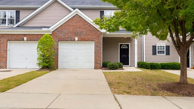 Photo 1 of 25 - 3524 Londonville Ln, Raleigh, NC 27604