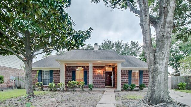 Photo 1 of 37 - 4207 Hambledon Village Dr, Houston, TX 77014