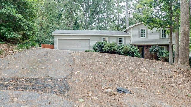 Photo 1 of 25 - 107 Grayson Ct, Knightdale, NC 27545