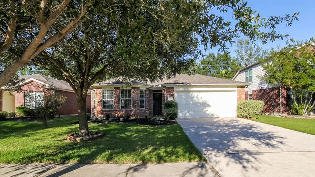 Photo 1 of 25 - 2810 Woodspring Forest Dr, Houston, TX 77345
