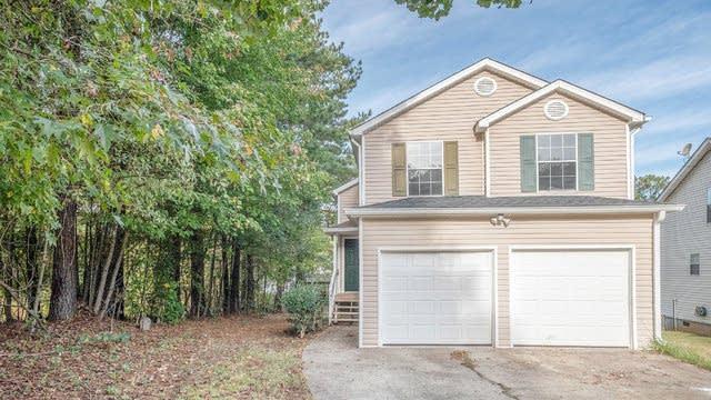 Photo 1 of 17 - 1549 Edgemoor Ln, Douglasville, GA 30134