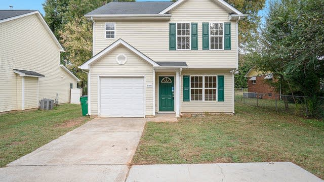 Photo 1 of 16 - 10306 Moores Chapel Rd, Charlotte, NC 28214