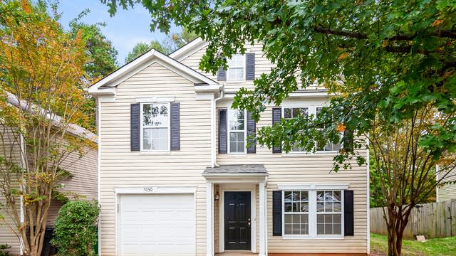 Photo 1 of 26 - 7050 Sycamore Grove Ct, Charlotte, NC 28227