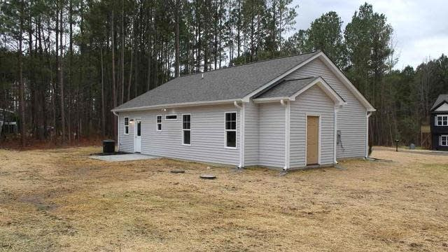 Photo 1 of 15 - 40 Chase Dr, Youngsville, NC 27596