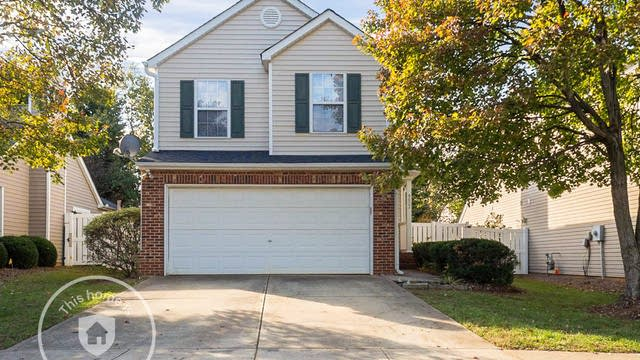 Photo 1 of 22 - 9027 Colony Village Ln, Raleigh, NC 27617