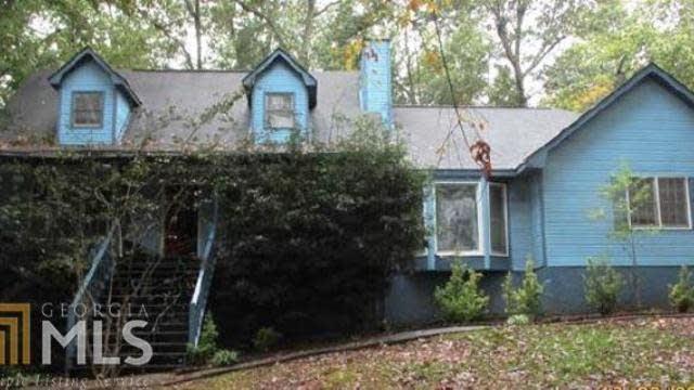 Photo 1 of 13 - 8077 Woods Ln, Jonesboro, GA 30236