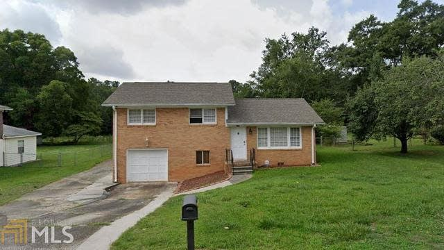 Photo 1 of 24 - 409 Batiste Ln, Jonesboro, GA 30236