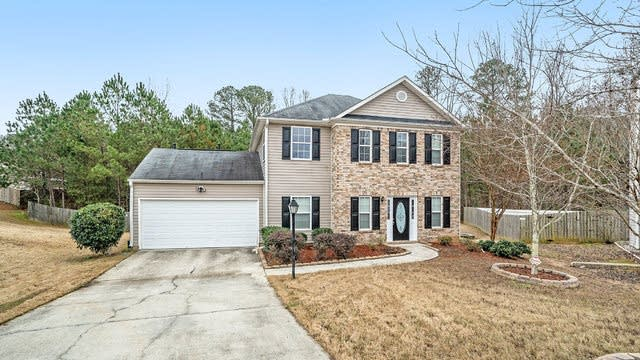 Photo 1 of 17 - 3978 Willow Fields Ct, Loganville, GA 30052