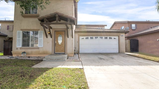 Photo 1 of 20 - 15961 Windcrest Dr, Fontana, CA 92337