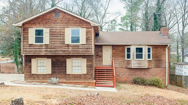 Photo 1 of 28 - 592 Almand Branch Rd SE, Conyers, GA 30094