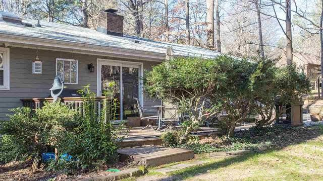 Photo 1 of 26 - 8228 Willow Bend Ln, Raleigh, NC 27613
