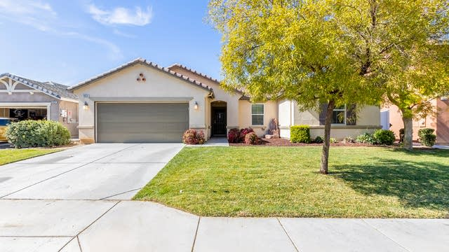 Photo 1 of 30 - 3024 Avishan Dr, Perris, CA 92571