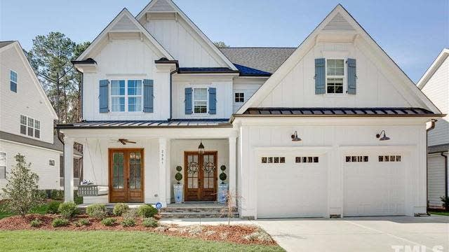 Photo 1 of 30 - 2981 Club Dr, Raleigh, NC 27613