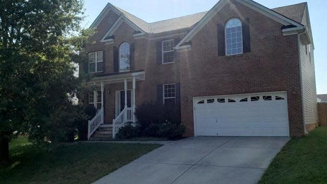 Photo 1 of 6 - 320 Glen Loft Dr, Youngsville, NC 27596