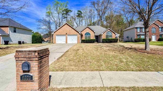 Photo 1 of 28 - 9323 Waters Edge Dr, Jonesboro, GA 30236
