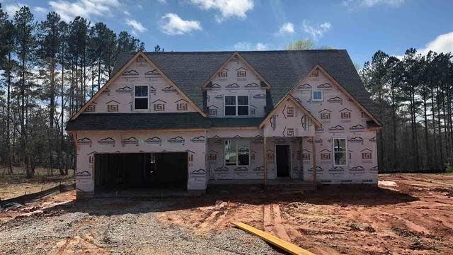Photo 1 of 2 - 15 Lockamy Ln, Youngsville, NC 27596