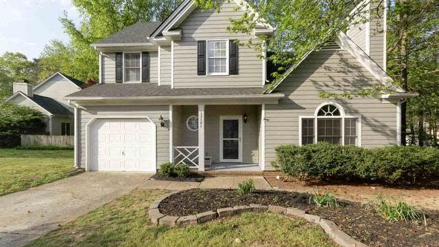 Photo 1 of 25 - 12121 Townmeade Ct, Raleigh, NC 27613