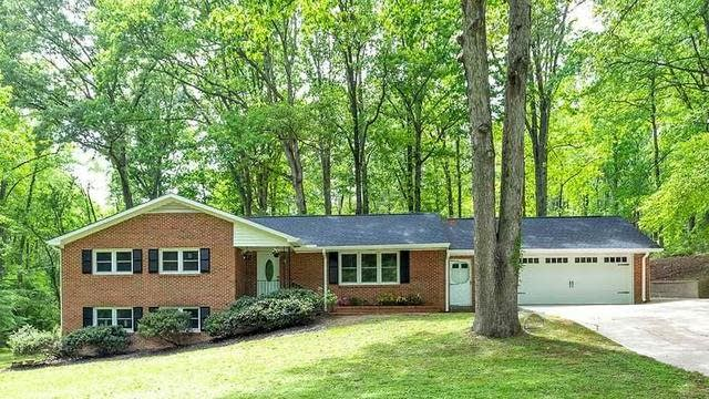 Photo 1 of 28 - 424 S College St, Youngsville, NC 27596