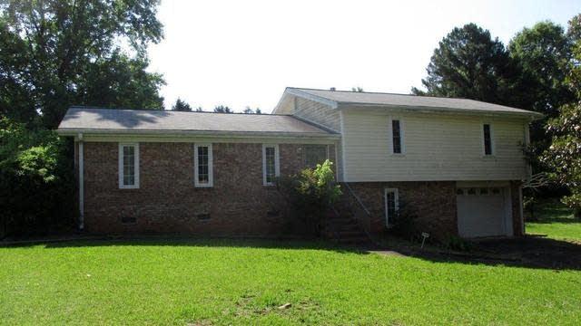 Photo 1 of 16 - 8552 Sheridan Dr #0, Jonesboro, GA 30236