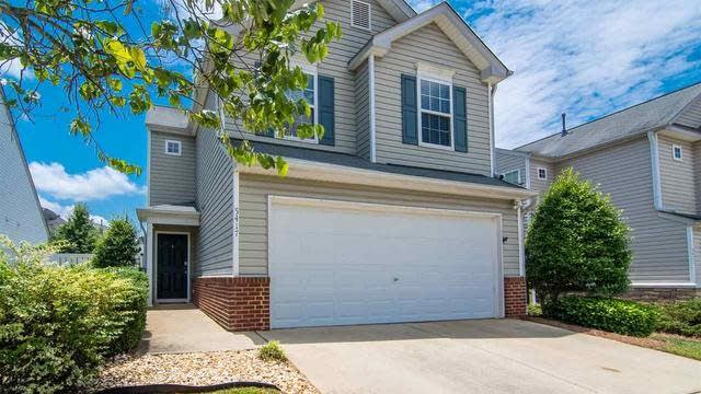Photo 1 of 25 - 5417 Roan Mountain Pl, Raleigh, NC 27613