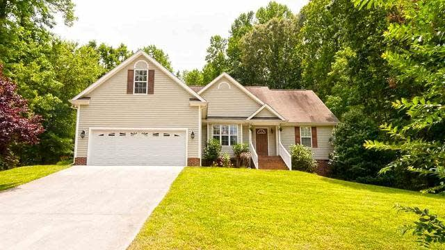 Photo 1 of 30 - 120 Broken Lance Dr, Youngsville, NC 27596