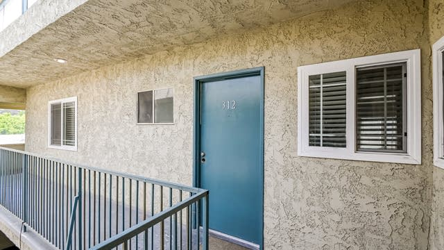 Photo 1 of 27 - 2344 Fletcher Dr #312, Los Angeles, CA 90039
