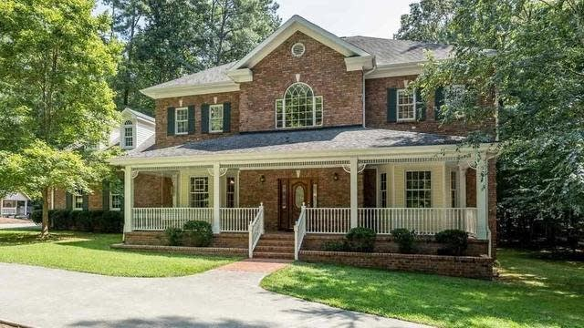 Photo 1 of 30 - 4608 Bartwood Dr, Raleigh, NC 27613