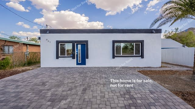 Photo 1 of 34 - 921 W Clearwater Dr, Tucson, AZ 85745