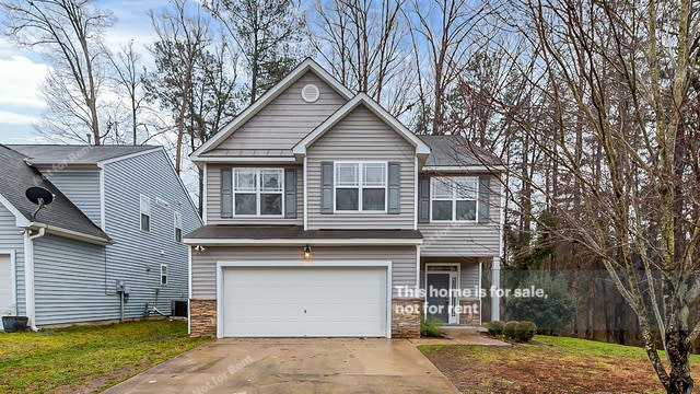 Photo 1 of 26 - 3410 Sunbright Ln, Raleigh, NC 27610