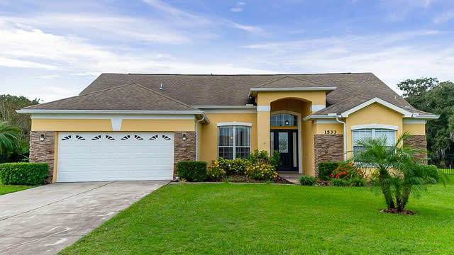 Photo 1 of 32 - 1533 Gants Cir, Kissimmee, FL 34744