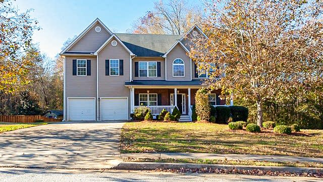 Photo 1 of 33 - 125 Avonlea Dr, Covington, GA 30016