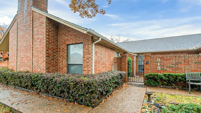 Photo 1 of 16 - 915 Cedarland Blvd, Arlington, TX 76011