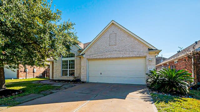 Photo 1 of 35 - 8307 Terra Valley Ln, Tomball, TX 77375