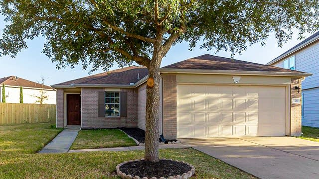 Photo 1 of 25 - 18203 Walden Gate Ln, Cypress, TX 77433