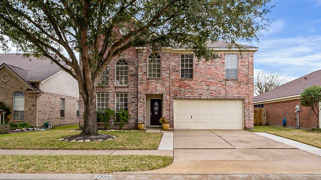 Photo 1 of 31 - 2223 Trotter Dr, Katy, TX 77493