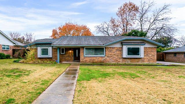 Photo 1 of 27 - 6420 Devonshire Dr, North Richland Hills, TX 76180